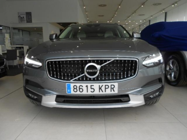 Volvo V90 Cross Country segunda mano Madrid