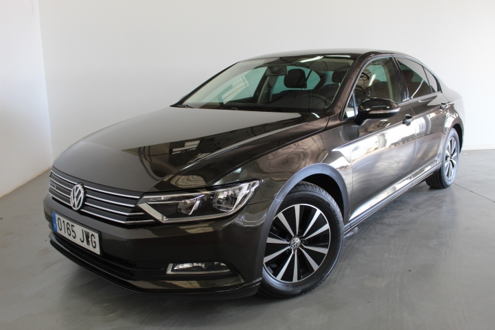 Volkswagen Passat SEDAN 1.6 TDI BLUEMOTION 120CV 4P