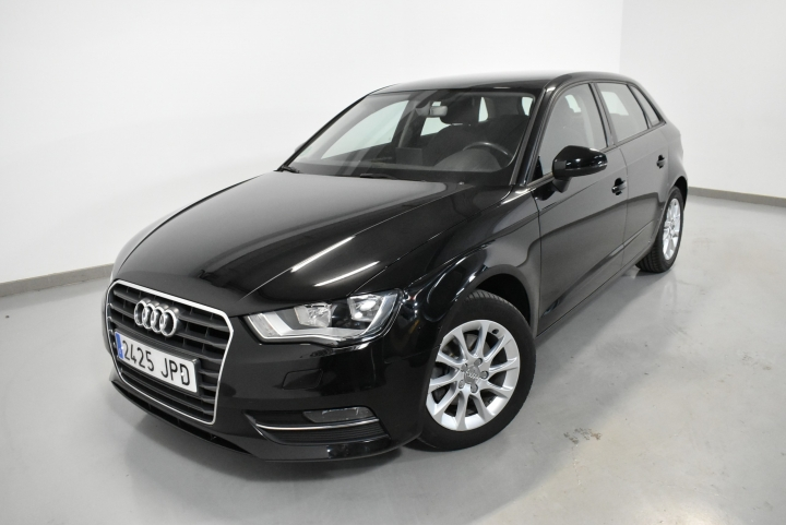 Audi A3 BERLINA 1.6 TDI CLEAN D ATTRACTION SPORTBACK 110CV 5P de segunda mano - Foto 0